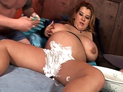 Sunshine shaves her snatch and fucks a stud