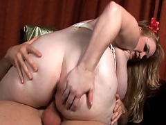 Big girl fucks young stud on bed